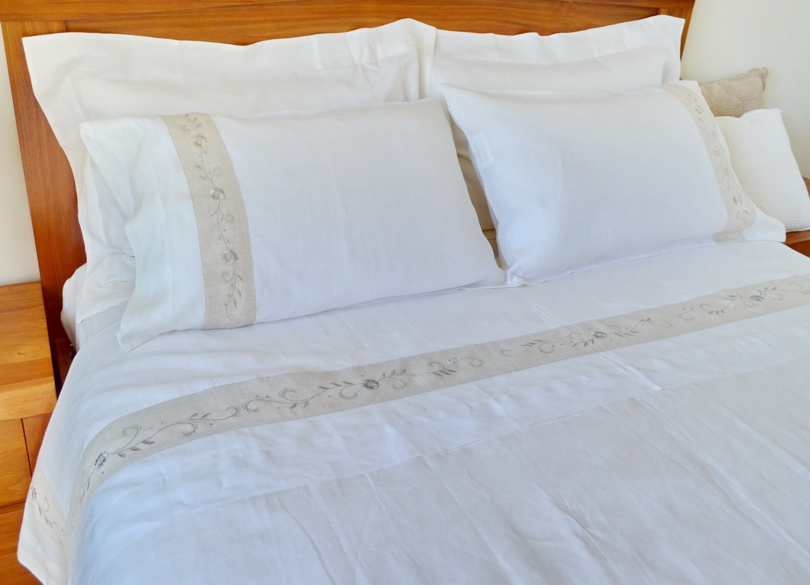 Pure Linen Sheets King Size Embroidery